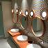 東京ディズニーランドでトイレ行列に悩まずに済むために知っておくべき3つの大きなトイレ